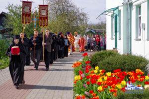 Праздничная Литургия в Тихвинском монастыре